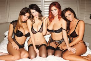 amateur photo Holly Peers, Danielle Sharp, Lucy Collett, and Stacey Poole