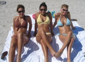 amateur photo Three beauties at the beach