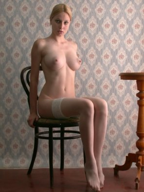 amateur photo Sitting
