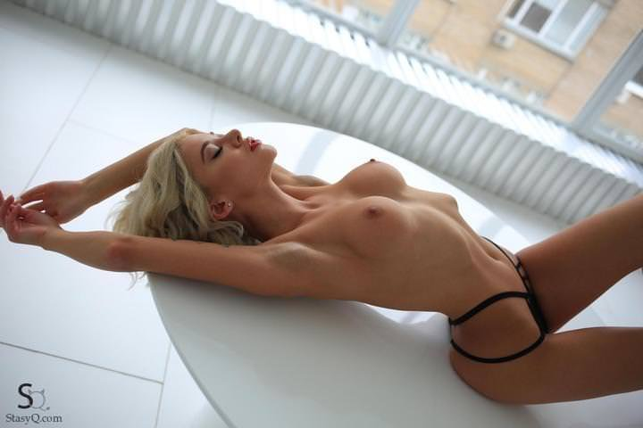 The busty blonde with red lips! Porn Photo
