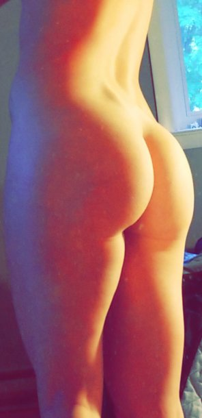 amateur photo High Saturation booty [f] request fill 4