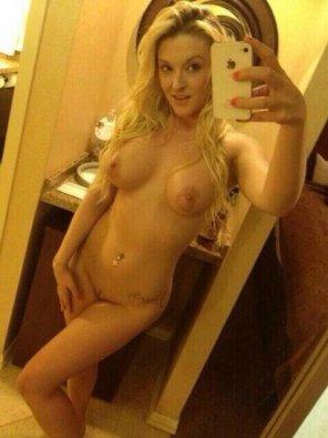 amateur photo Blonde hottie