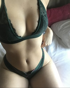amateur photo Is it too late to be wearing green?
