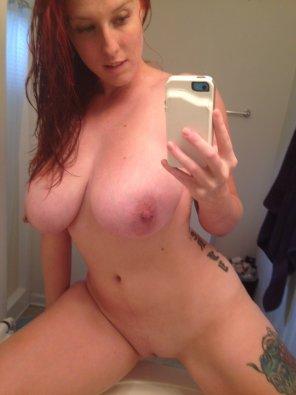 amateur photo Busty Redhead selfie