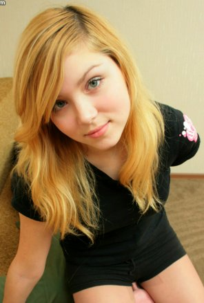 amateur photo Cute Blondie