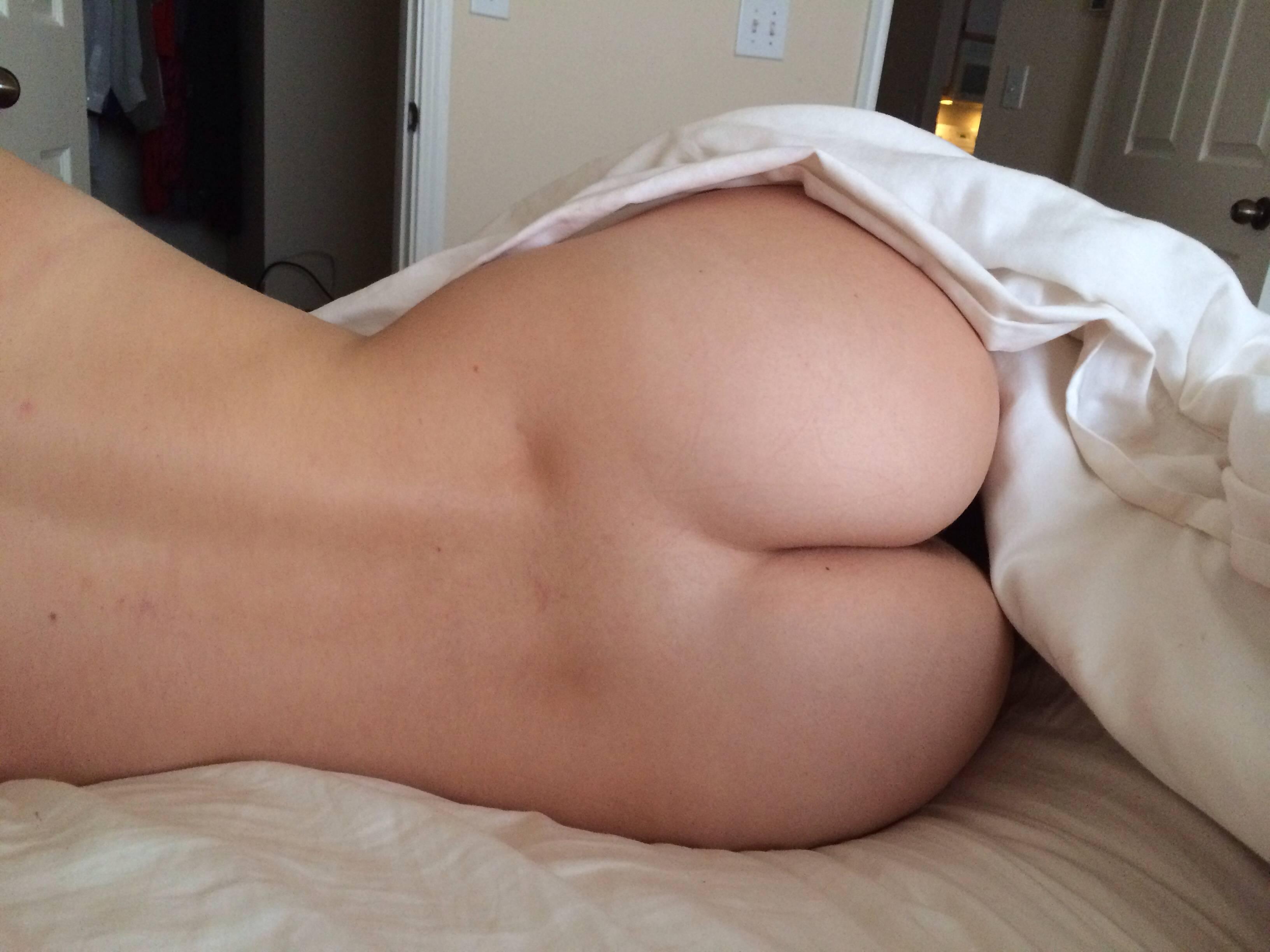 Surprise Lesbian Wake Up