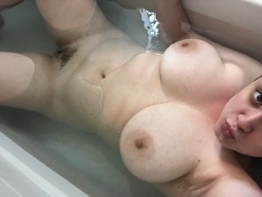 amateur photo Someone grab the soap for me?