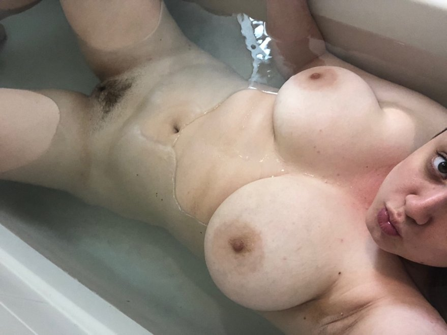 Someone grab the soap for me? Porno Zdjęcie