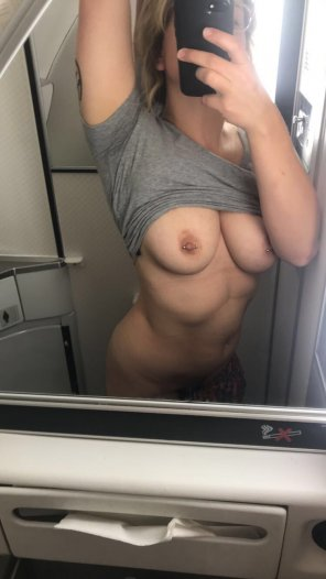 amateur photo Let's join the mile high club 😏✈️ [22F]