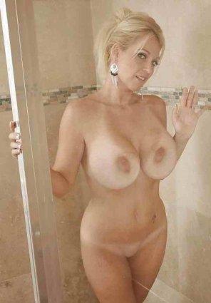 amateur photo shower milf
