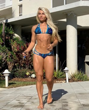 amateur photo Carriejune Bowlby in blue