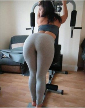amateur photo Hot Girl Doing Stretch in Tight Grey Yoga Pant.... ♥