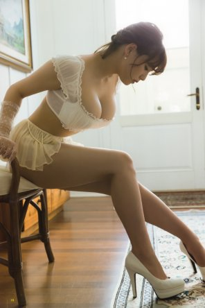 amateur photo Elegant Asian