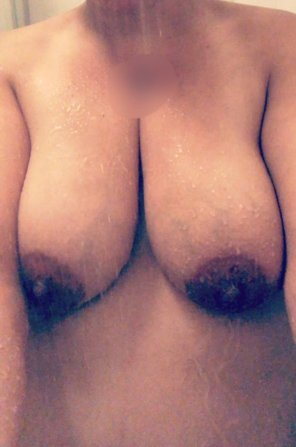 amateur photo My pregnant shower boobs 💦😉 [f]