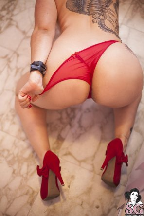 amateur photo Red Heels