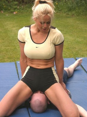 amateur photo Hot fit blonde