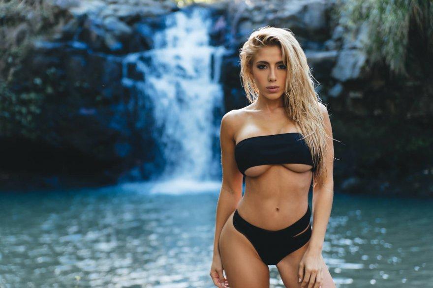 Valeria Orsini Porn Photo