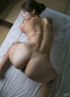 amateur photo On all fours