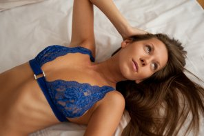 amateur photo Blue bra