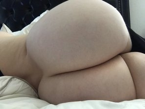 amateur photo Booty for days