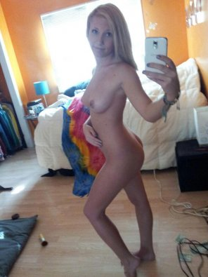 amateur photo Typical naked selfie