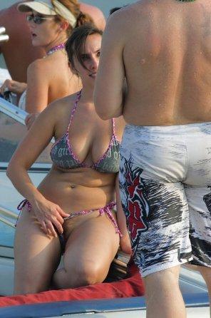 amateur photo Bikini Milf