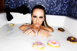 amateur photo Time for a donut bath