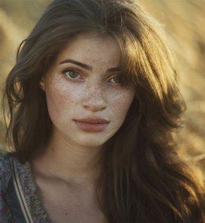 amateur photo Freckles and Light