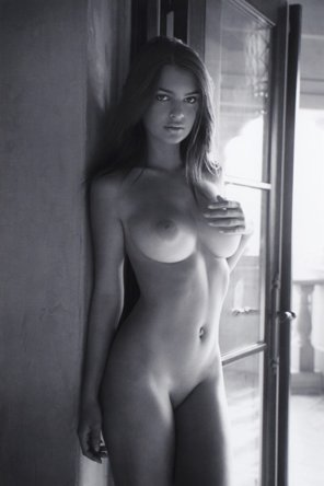 amateur photo Barely legal Emily Ratajkowski