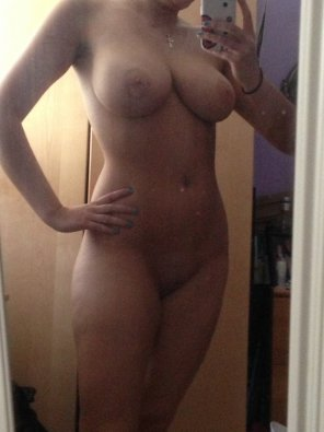 amateur photo Well proportioned body