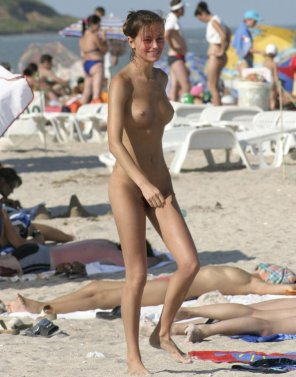 amateur photo Happy beach girl