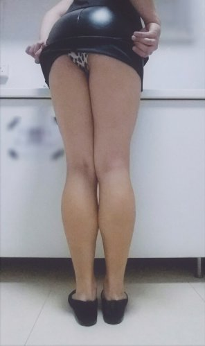 amateur photo [F] Doing overtime means that no one else uses the office pantry