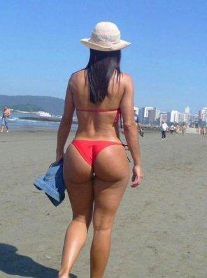 amateur photo Looks like a nice beach
