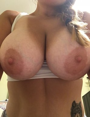 amateur photo My huge tits to start out your day!