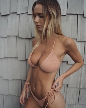 amateur photo Bikini bust