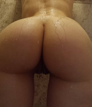 amateur photo Round, wet, and GOD DAMN what a gap
