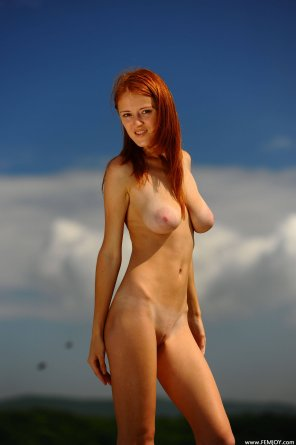 amateur photo Well endowed