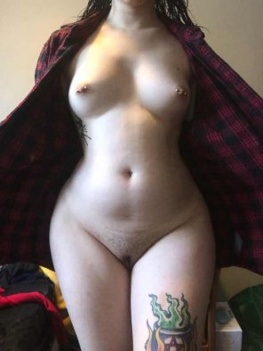 amateur photo i'm a little curvy. [f]