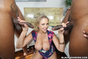 amateur photo Julia Ann - Cum-coated and Smiling