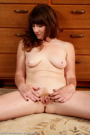 amateur photo Redhead MILF Ava