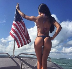 amateur photo Patriotic boat ride