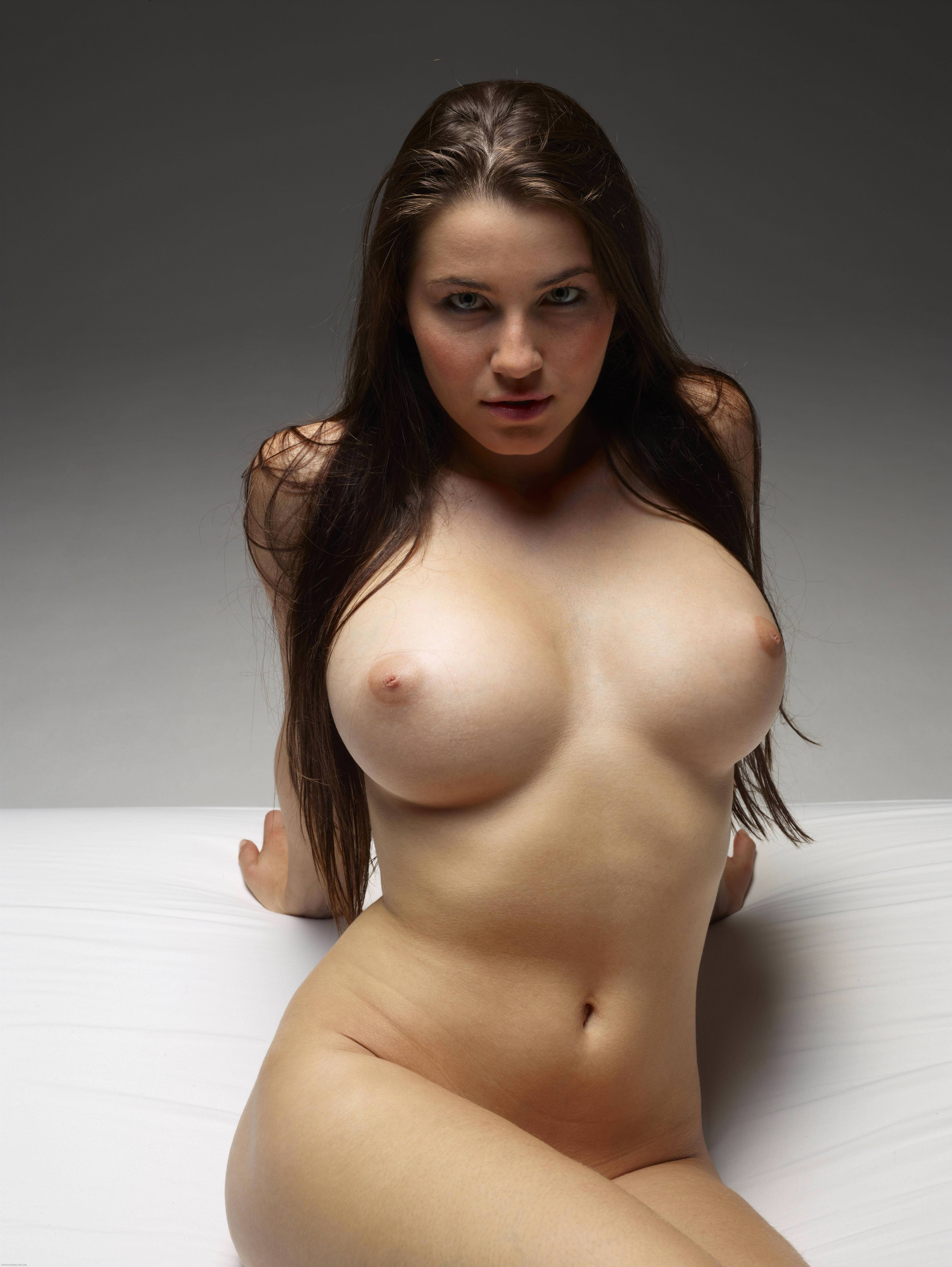 The perfect boob pic