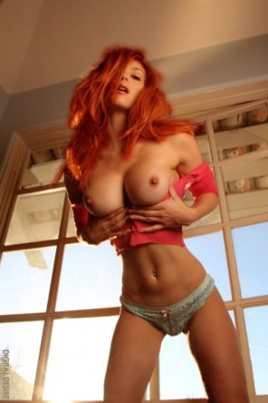 amateur photo Not normally into redheads but for her oh yeah.