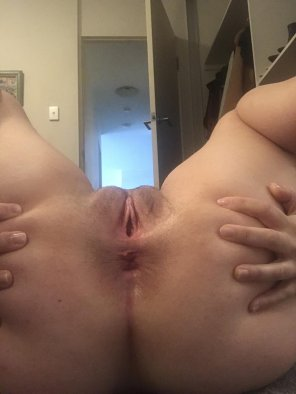 amateur photo My wife's 25 year old pussy [OC]