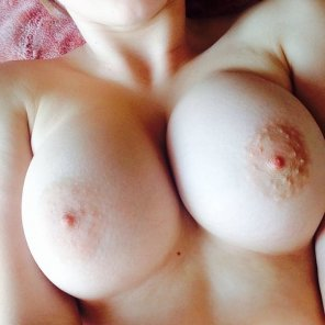 amateur photo boob's close look