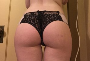 amateur photo Who doesn't love a little lace?