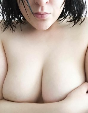 amateur photo A pale handbra. [oc]