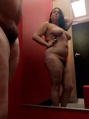 amateur photo Dressing room fun, there might be a video... 32f