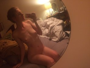 amateur photo PictureMirror pics and small tits