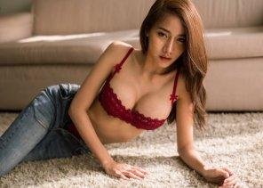 amateur photo On the Carpet